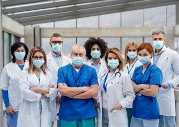 Un gruppo di medici, Credits iStockPhoto