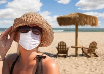 Vacanza con la mascherina, Credits iStockPhoto