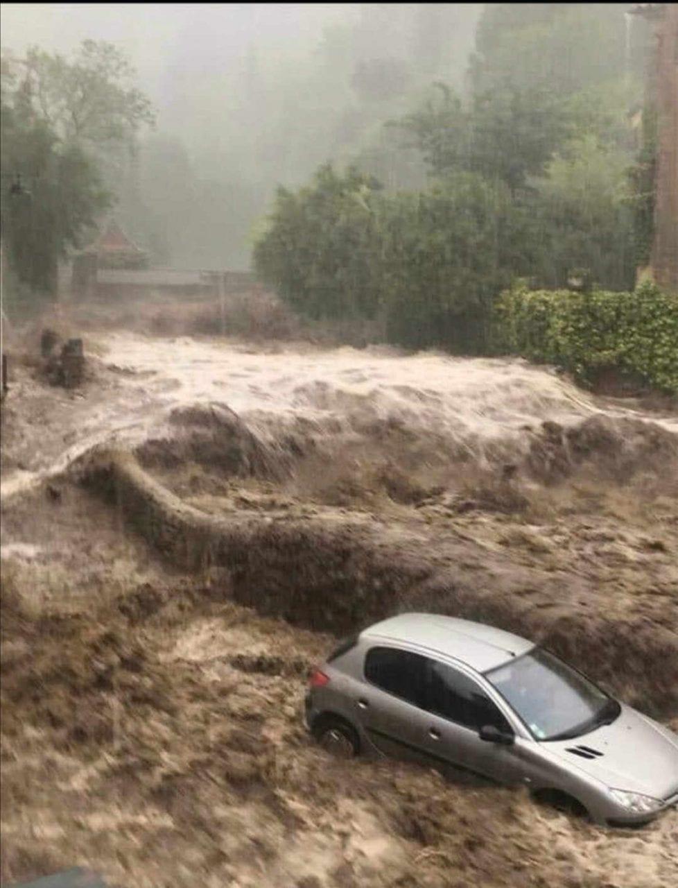 ALLUVIONE nel sud della Francia. PIOGGE record, fino a 700 mm in un giorno