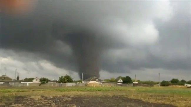 Violento tornado colpisce l'Ucraina, sembra di essere negli USA. Il VIDEO