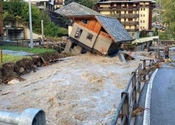 Scenario di guerra a Limone Piemonte, il paese distrutto