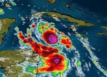 Uragano Delta si sposta verso nord-ovest, in direzione dello Yucatan