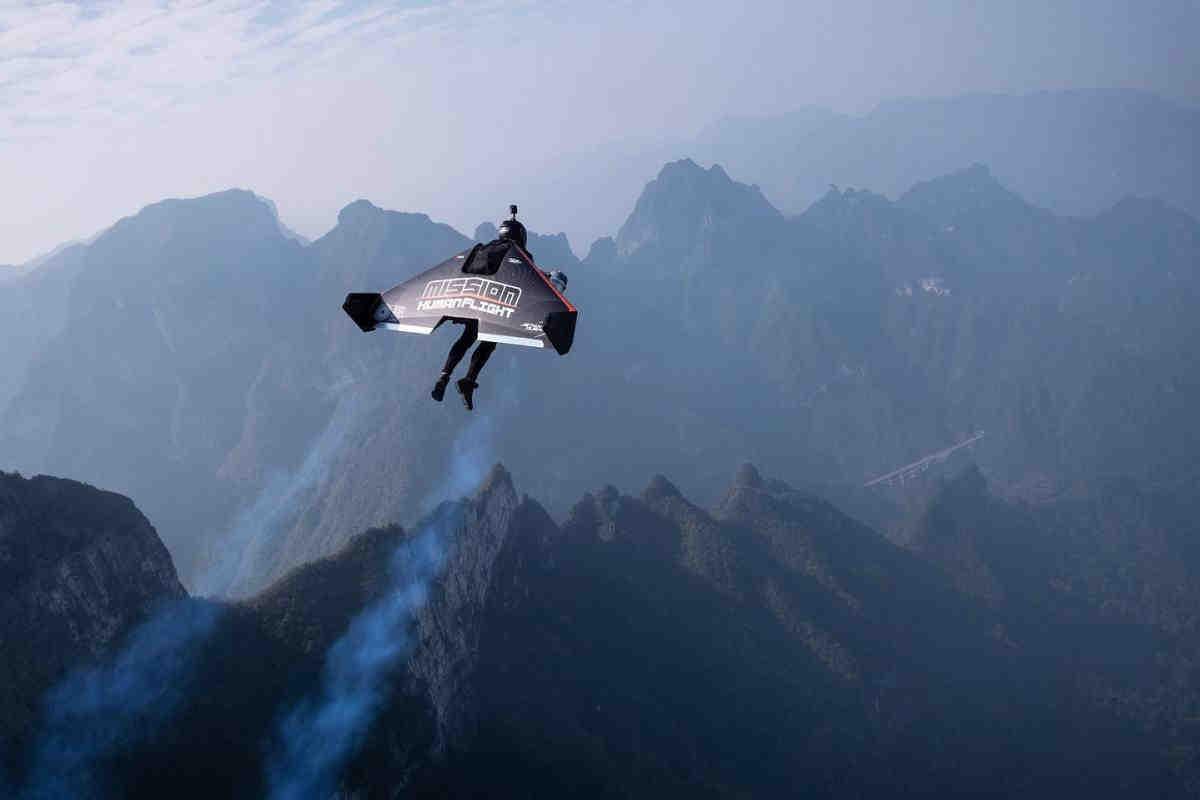 L'uomo che volava più veloce di un aereo è morto durante un incidente di allenamento