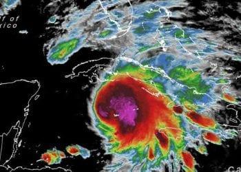 La tempesta, quando era sul Mar dei Caraibi, prima di risalire verso Cuba e Florida