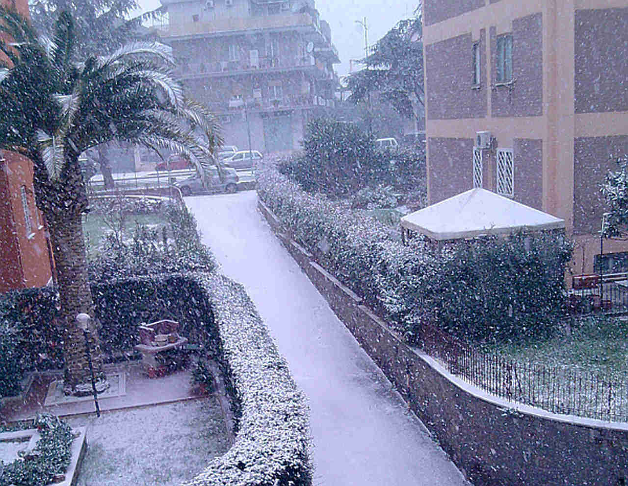 L'ultima nevicata dicembrina a Roma: era il 17 dicembre 2010, con lievi accumuli su alcuni quartieri più alti, come Monte Mario
