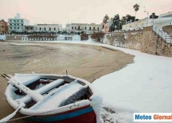 Neve sulla spiaggia, immagine di repertorio