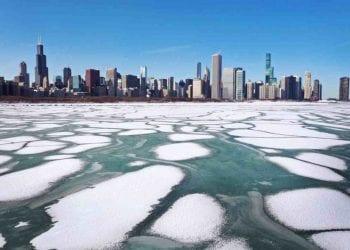 Inizia a rompersi il ghiaccio sui Grandi Laghi congelati