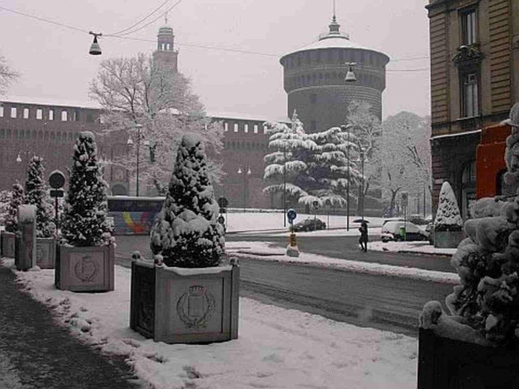 La neve del 3 marzo 2005 a Milano, pressi Castello Sforzesco