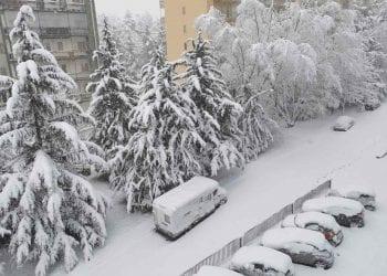 Panorama con tanta neve da Potenza al risveglio mattutino del 20 Marzo. Foto di Giancarlo Vit