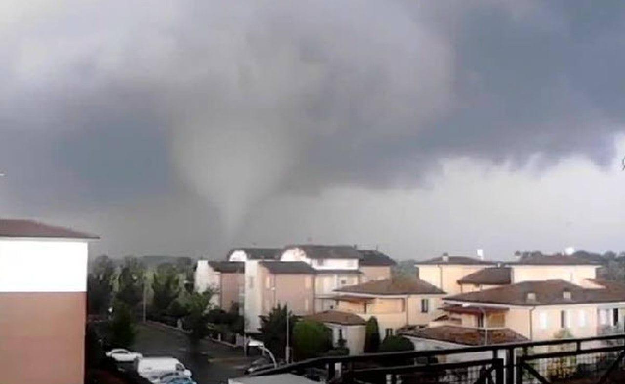 Altra veduta del tornado di fine aprile 2014