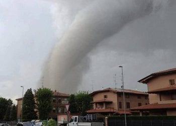Il tornado visto da Castelfranco Emilia