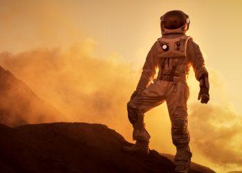 Prima missione con equipaggio su Marte. Esplorazione spaziale, colonizzazione.