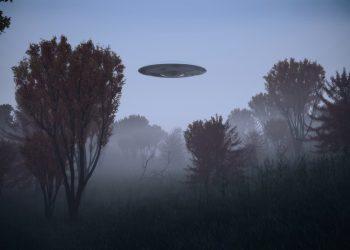 Ufo in una rappresentazione realizzata con il computer.
