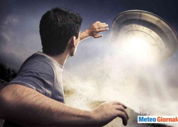 nasa ha reso pubblici dei video con degli ufo 350x250 - Titano, la luna di Saturno: possibili vulcani ancora attivi