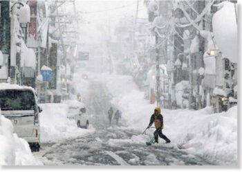 La grande neve caduta in Giappone