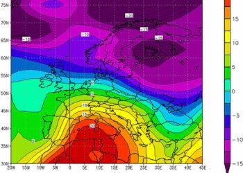 L'invasione calda africana del giorno 24 Marzo 2001, con isoterme fino a +20°C sulle due Isole Maggiori a 1500 metri d'altezza, valori degni di una vera ondata di gran caldo estivo. Nello stesso frangente prevaleva il gelo sull'Europa Nord-Orientale. Fonte NOAA.