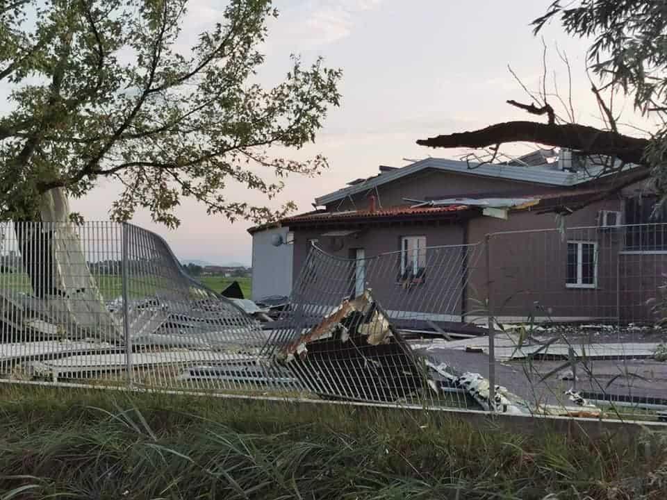 213675017 3034194933481076 442621323617012385 n 1 - Meteo Piemonte e Lombardia: ingenti danni per temporali di forte intensità. Grandine e vento devastano anche edifici