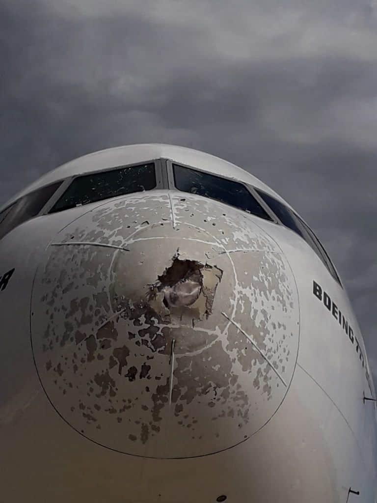 217557837 1214482695685449 3680332431305916899 n - Malpensa, aereo seriamente danneggiato da una grandinata tra Lombardia e Piemonte